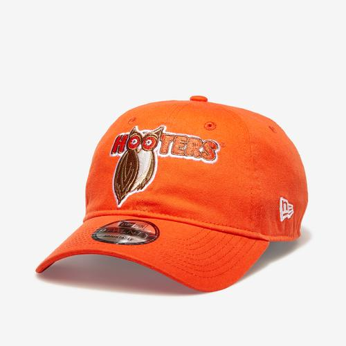 New Era Hooters 9Twenty