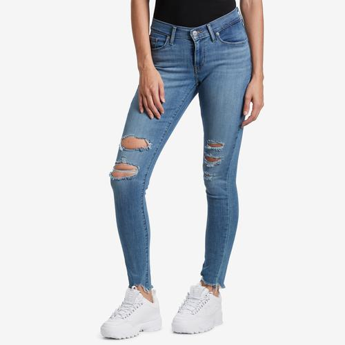 Front View of Levis Women's Curvy Skinny Jeans