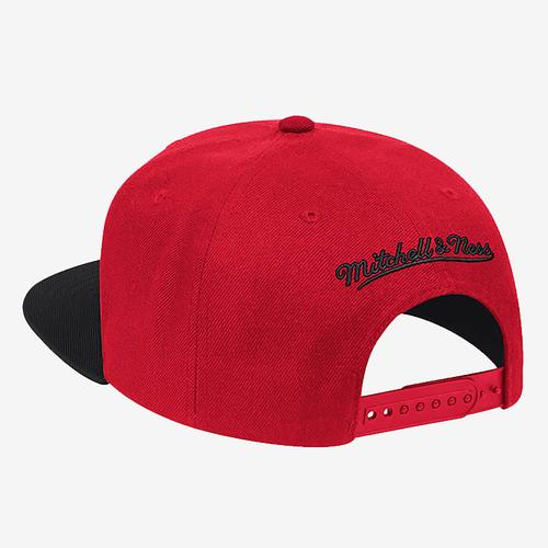 Mitchell + Ness Men's Wool 2 Tone Snapback Chicago Bulls