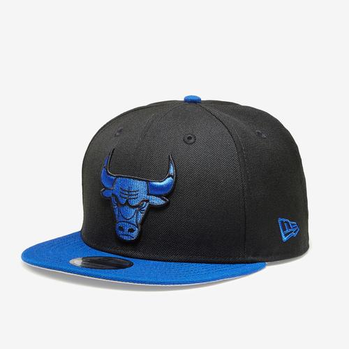 Front Right View of New Era Bulls 9Fifty Snapback