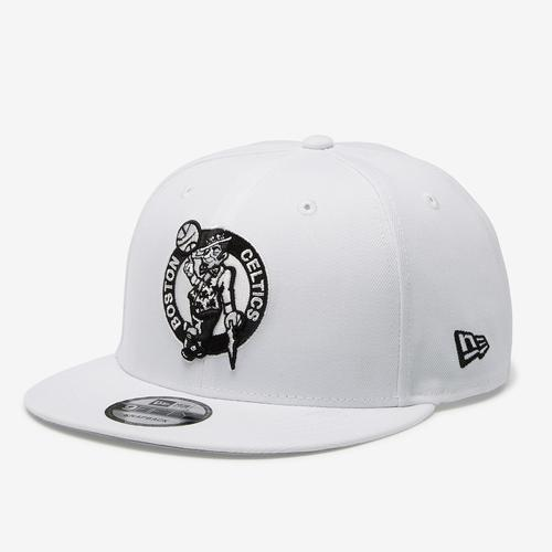 Front Right View of New Era Celtics 9Fifty Snapback