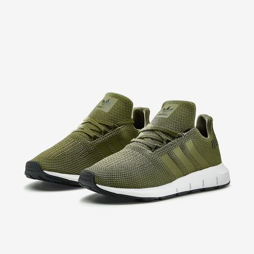 adidas Swift Run C