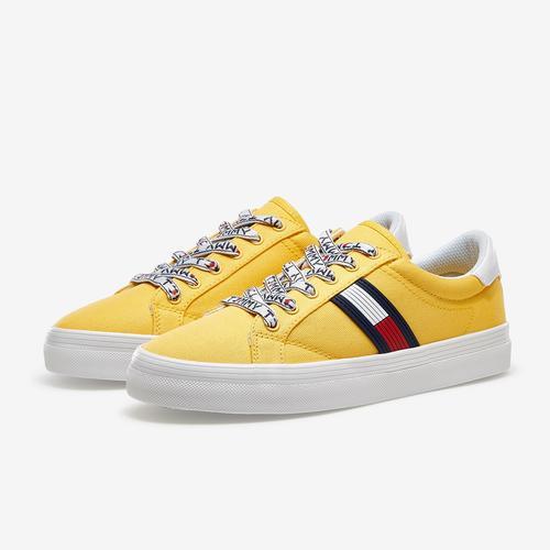 Tommy Hilfiger Women's Fantim Sneaker