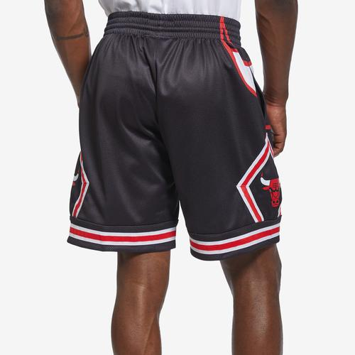 Mitchell + Ness Men's Big Face Shorts Chicago Bulls